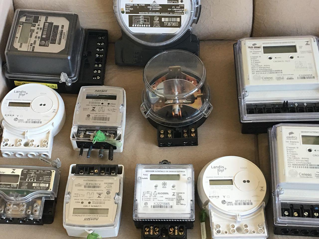 Operação identifica fraudes em medidores de energia em estabelecimentos comerciais
