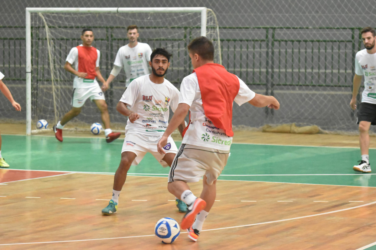 Futsal de Blumenau estreia na Liga Nacional nesta sexta-feira ... fb2727dab7ff7