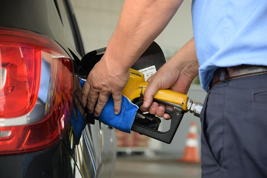 Combustíveis ficam mais caros nas refinarias a partir de hoje (21)